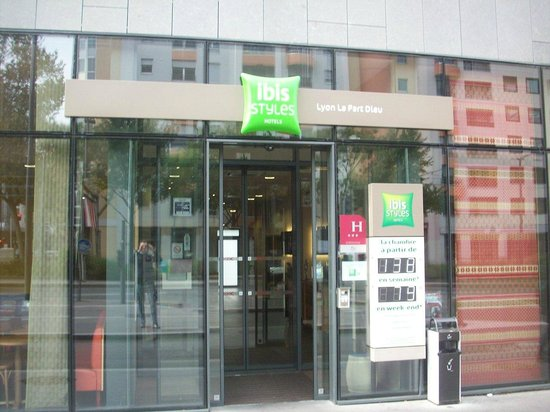 Ibis Styles Lyon Centre - Gare Part Dieu : DA FUORI