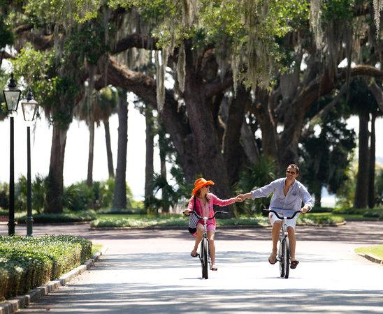 Montage Palmetto Bluff : Biking the Bluff