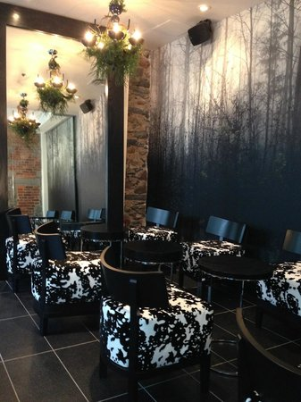Le Petit Hotel: One of several sitting areas near Reception