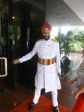 The Oberoi : what an entrance