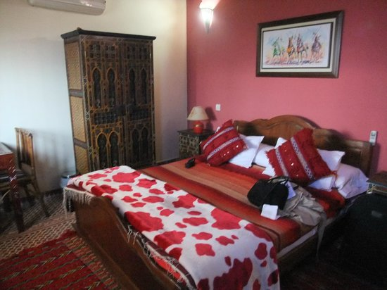 Dar Yanis : Roses room