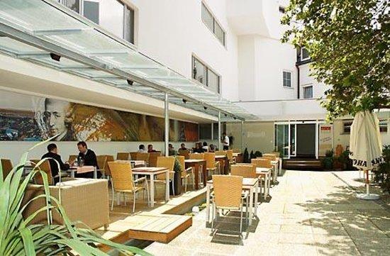 """Hotel Ohr: Gastgarten """"Platane"""""""