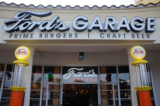 Ford's Garage: exterior