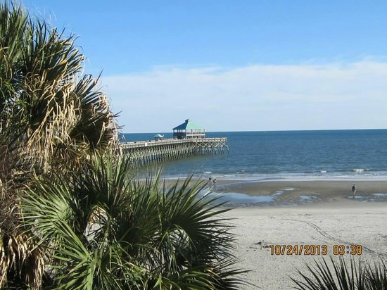 Tides Folly Beach: Pier and view from room