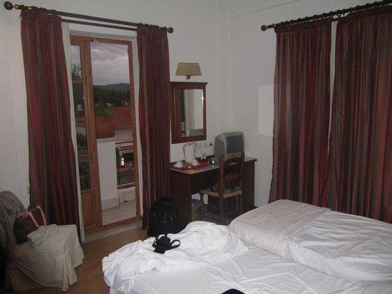 Hotel Pelops: Habitación.