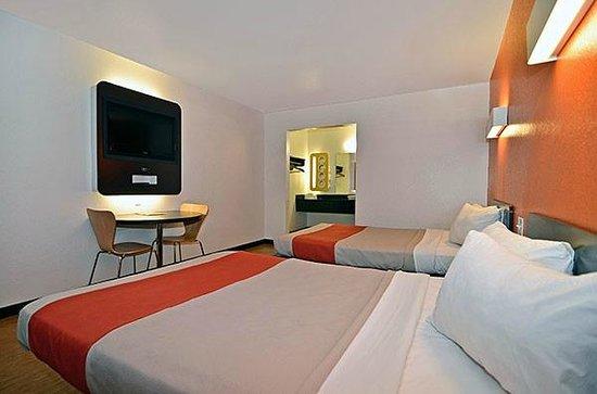 Motel 6 Fairfield/Napa Valley CA: MDouble