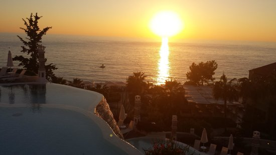 Liberty Hotels Lykia: Springbrunnen, Blick auf Marina