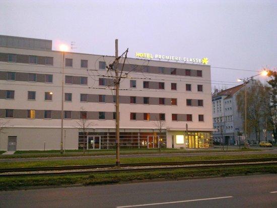 Hotel Premiere Classe Wroclaw Centrum : Widok Hotelu z zewnatrz...