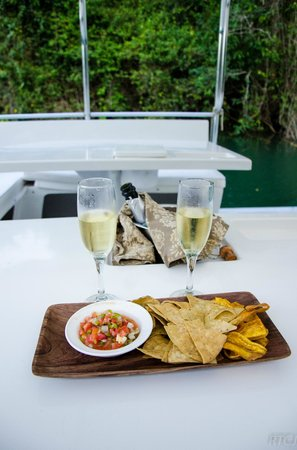 Belcampo Lodge: Proseco on the River Cruise