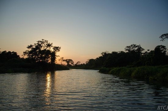 Belcampo Lodge: Sunset over the Rio Grande on the River Cruise