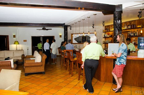 Belcampo Lodge: The Bar-Lounge