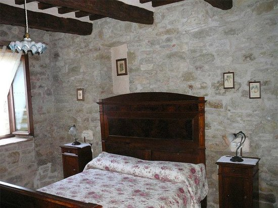 Meone Vecchio: particolare della camera da letto
