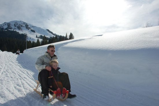 Nachtski Soll: schlitten fahren skiwelt söll