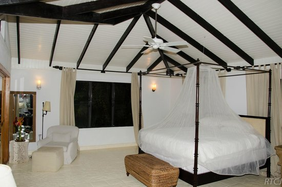 Belcampo Lodge : The inside of our suite