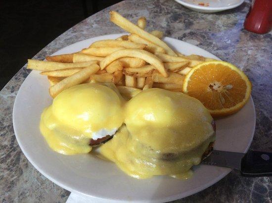 Lower Allen Diner: Eggs Benedict