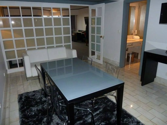 HF Fenix Porto: The lounge in the room