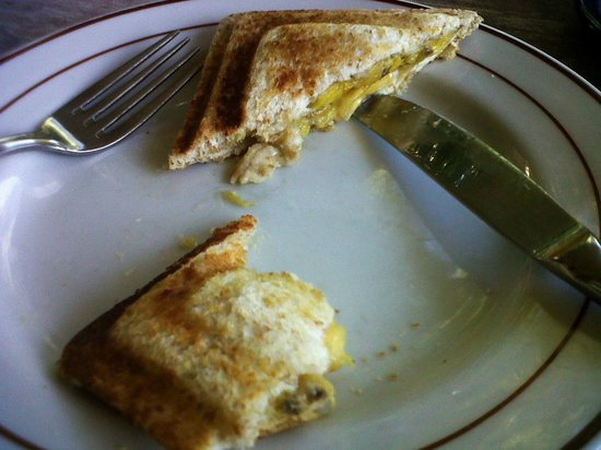 Gerhana Sari 2 Hotel: The banana jaffle optioon for breakfast