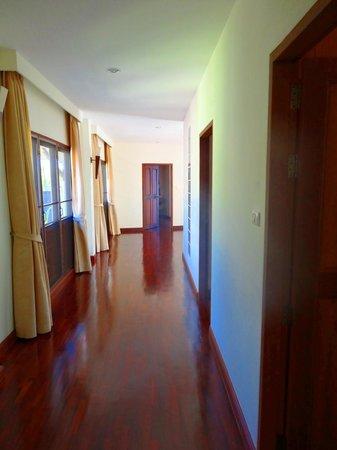 Rising Sun Residence: Etage