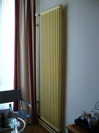 Mercure Hotel Berlin Zentrum: Радиатор