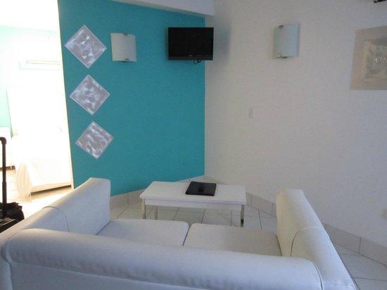 Hotel Dolce Villa: living room
