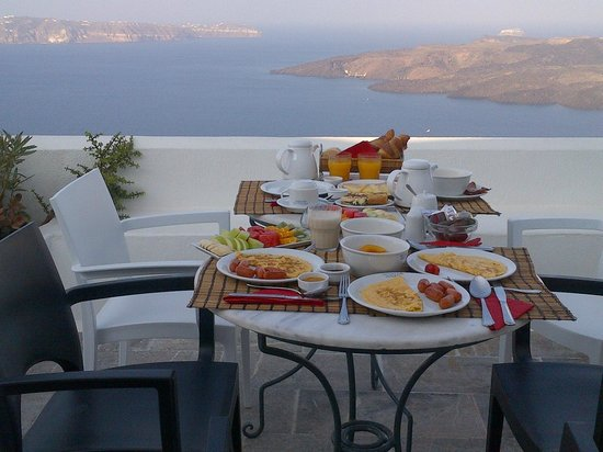 Aigialos Hotel : Breakfast is served!
