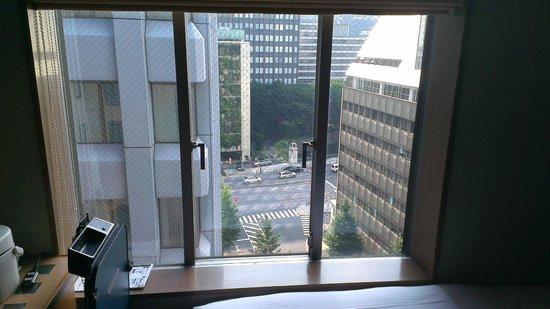 Pearl Hotel Yaesu: 思いも寄らなかった窓景色