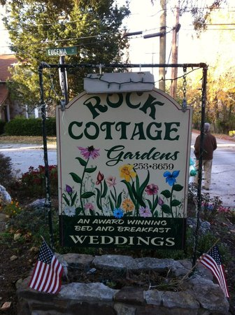 Rock Cottage Gardens B&B Inn : Rock Cottage