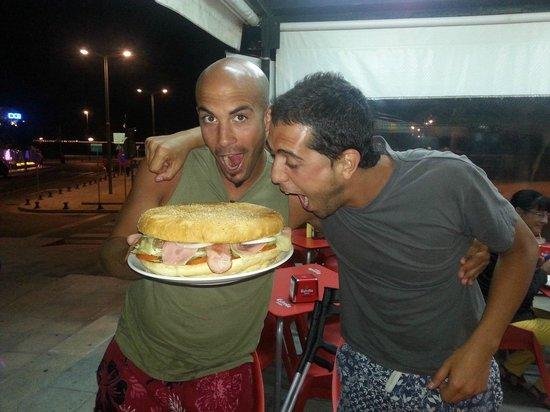 burguer Casablanca: Juan y Diego