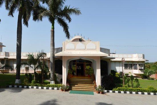 Yadavindra Gardens Motel