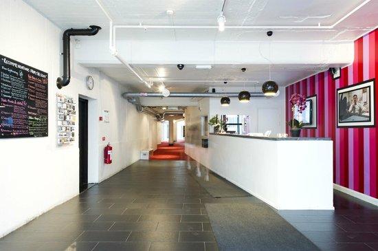 Stockholm Hostel: Reception