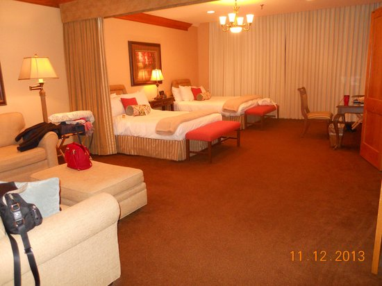 Haywood Park Hotel: Lots of space