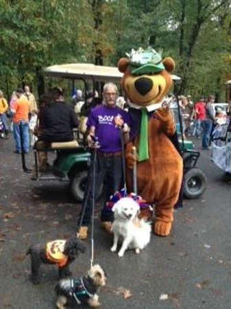 Yogi Bear's Jellystone Park Camp-Resort  Hagerstown : Halloween with Yogi & the boys.
