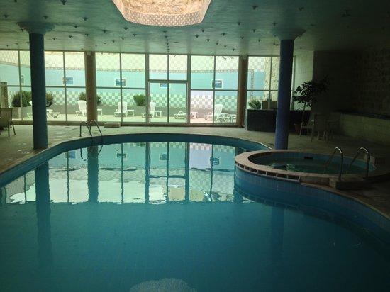 Amra Palace Hotel: Pool Area