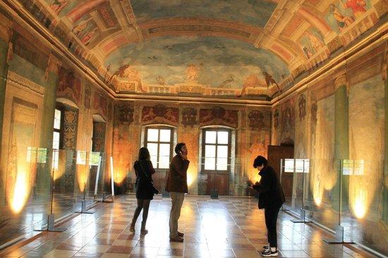 Wasserspiele Hellbrunn: в одном из залов дворца Хелльбрун