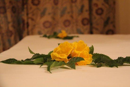 SENTIDO Mamlouk Palace Resort: Украшение кровати