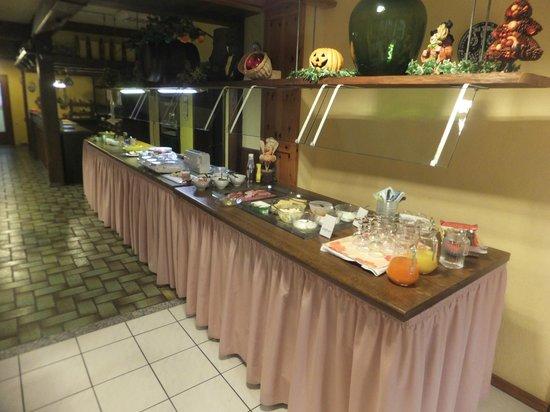 Hotel Weidenau: Breakfast buffet