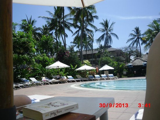 Prama Sanur Beach Bali : Pool Area