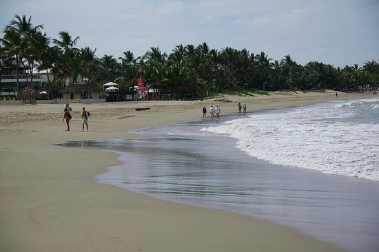 Millennium Resort & Spa: Beach in front of hotel