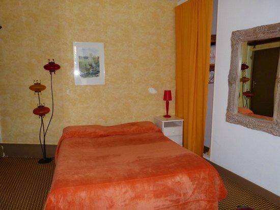 Les Capucins : As cores do quarto são diferentes das do site