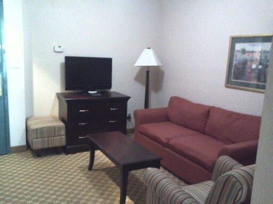 Country Inn & Suites By Carlson, Columbus: living room
