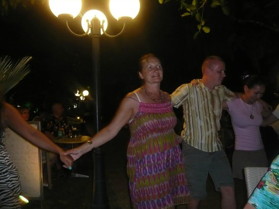 Corissia Beach Hotel: dancing at the Corissia