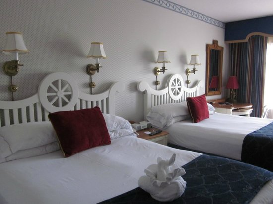 Disney's Yacht Club Resort: Room