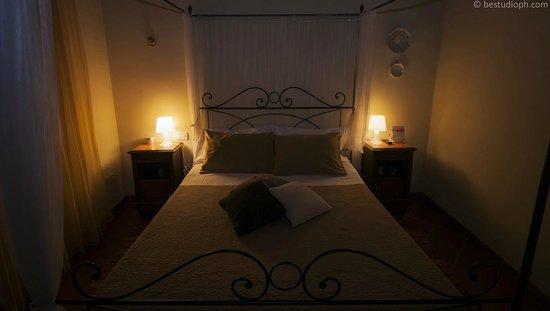 Bed and Breakfast All'Antico Brolo : Camera matrimoniale Melograno
