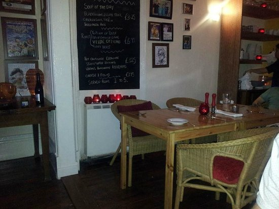 McHalls Bistro: Dining room