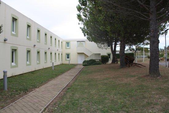 Ibis Carcassonne Est la Cite: Jardin