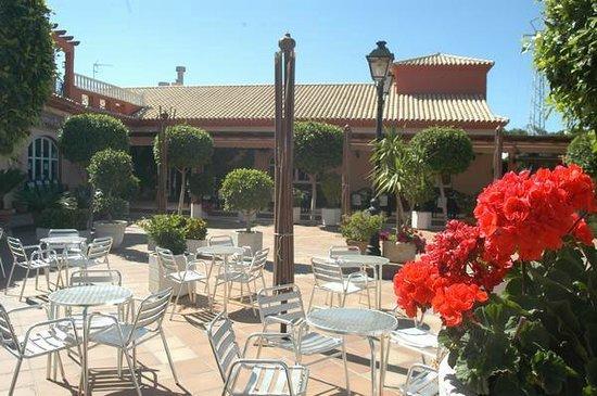Hostal el jardin chiclana de la frontera spanien for Hostal jardin
