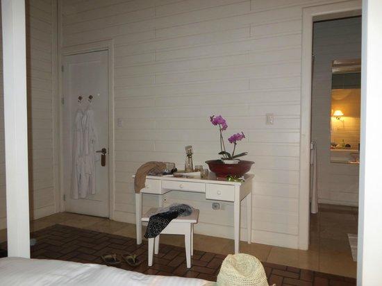 Asclepios Wellness & Healing Retreat: room