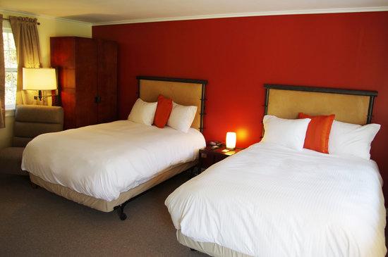 Sleep Woodstock Motel: Two Full-Size Beds as viewed from doorway