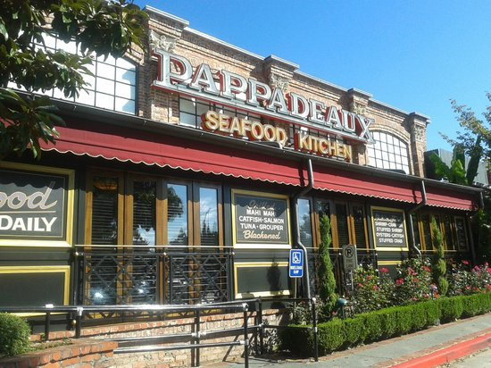 Pappadeaux Seafood Kitchen: The facade