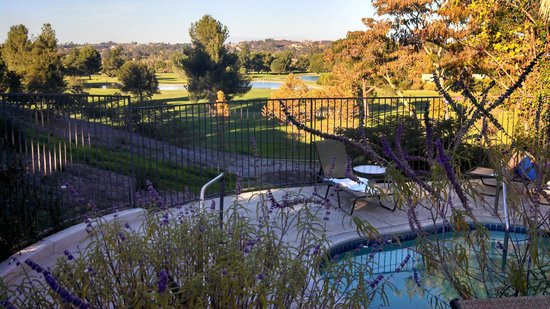Temecula Creek Inn: pool/hot tub area